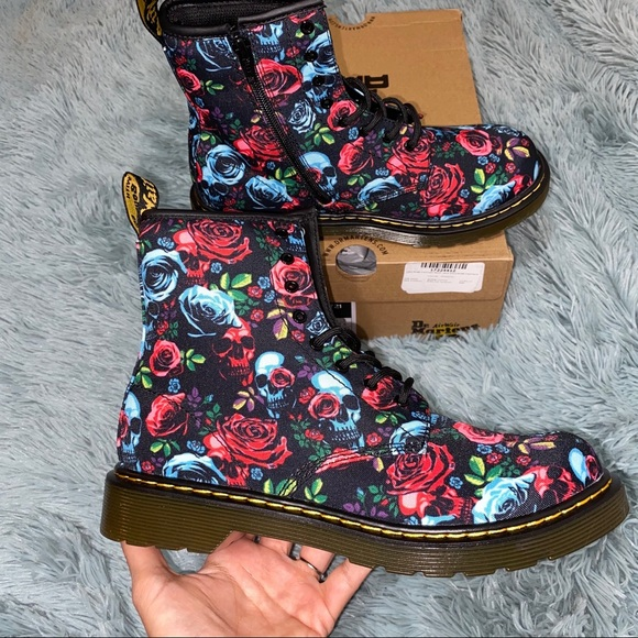 New Size 7 Dr. Martens 1460 Rose Skulls Boots NWT